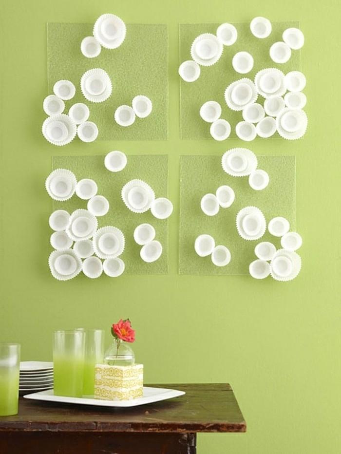 moderne-deko-ideen-diy-gestaltung-weiße-schöne-künstliche-blumen-an-der-wand