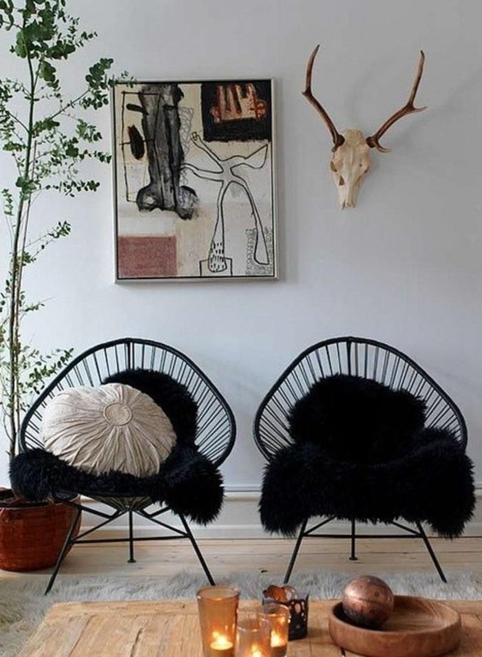 moderne-schwarze-Stühle-in-Boho-Stil