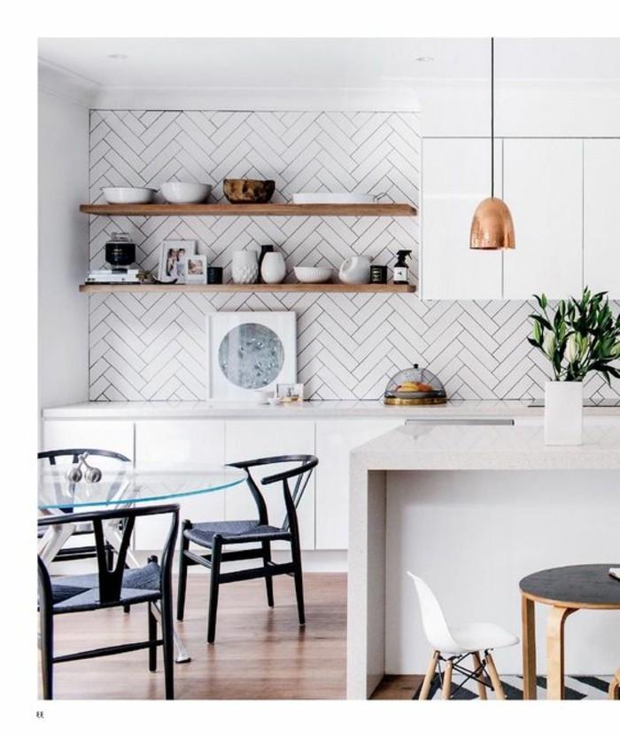modernes-Küchen-Interieur-bequeme-Stühle