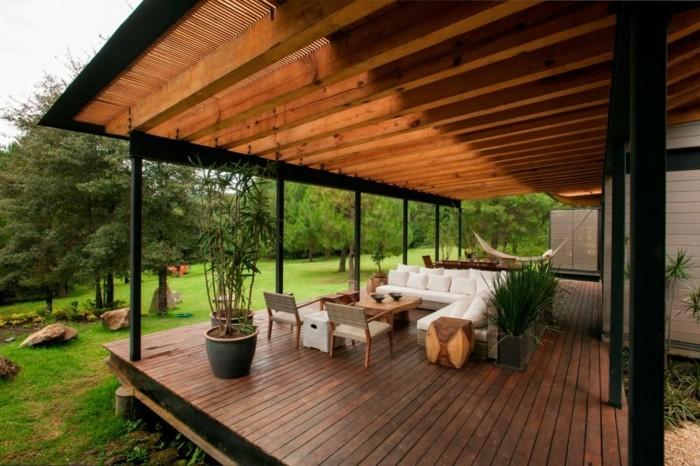 modernes-design-terrassengestaltung-ideen-gläserne-wände