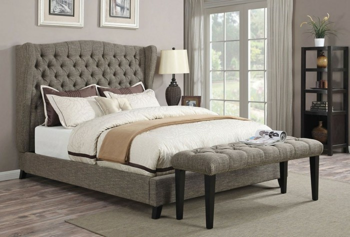 modernes-design-vom-bettkasten-für-polsterbett-weiße-bettwäsche