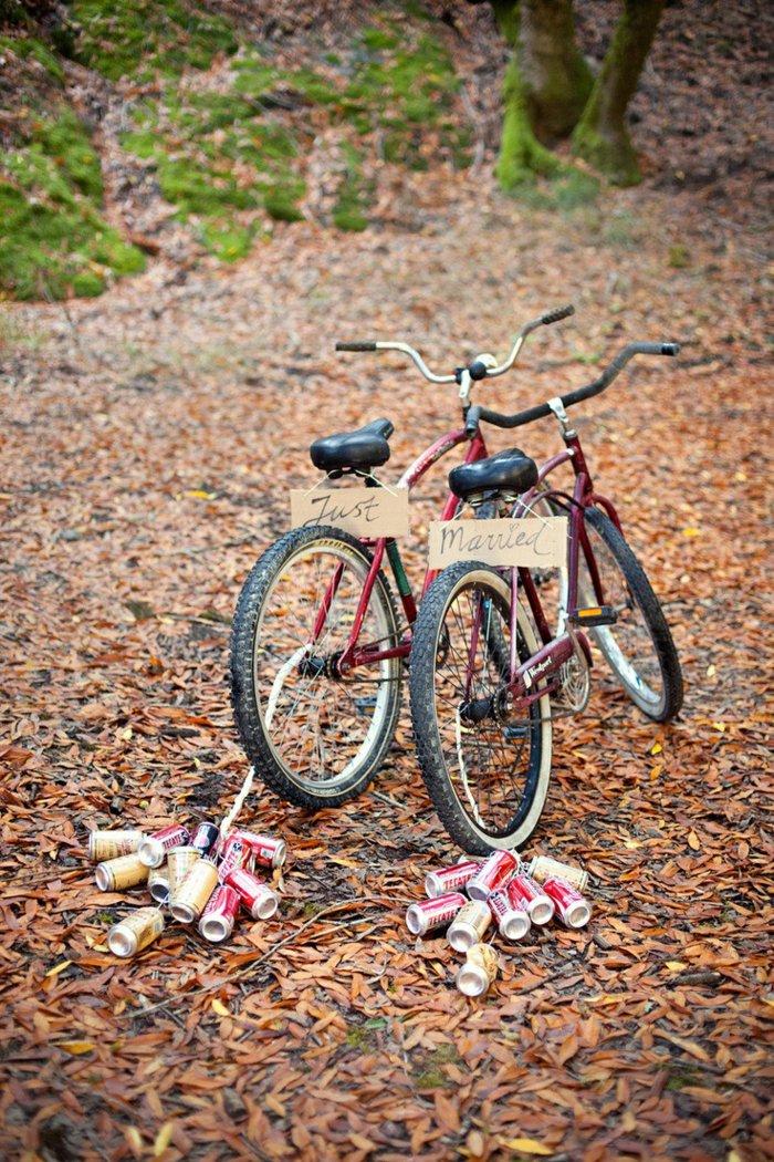 originelle-Idee-für-Hochzeit-mit-retro-Fahrrädern