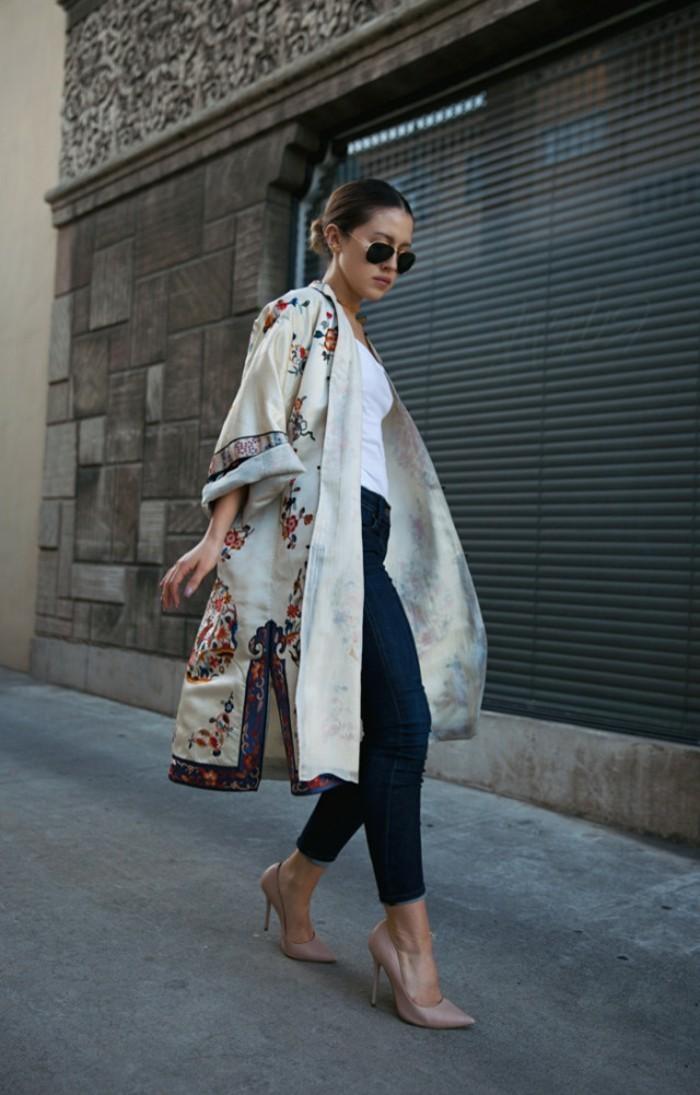 originelles-Modell-Kimono-Mantel-mit-traditionellem-Muster
