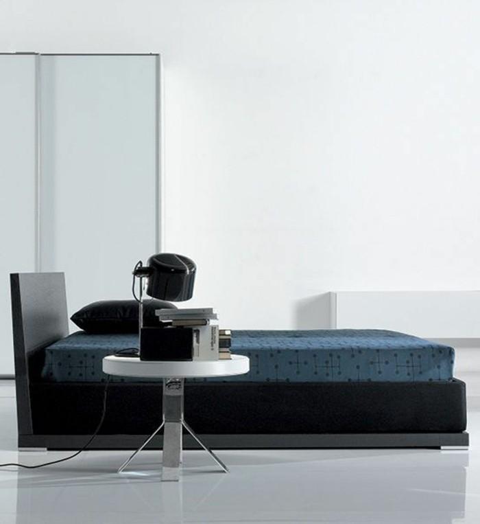 polsterbett-mit-bettkasten-große-gläserne-wände-elegantes-schlafzimmer