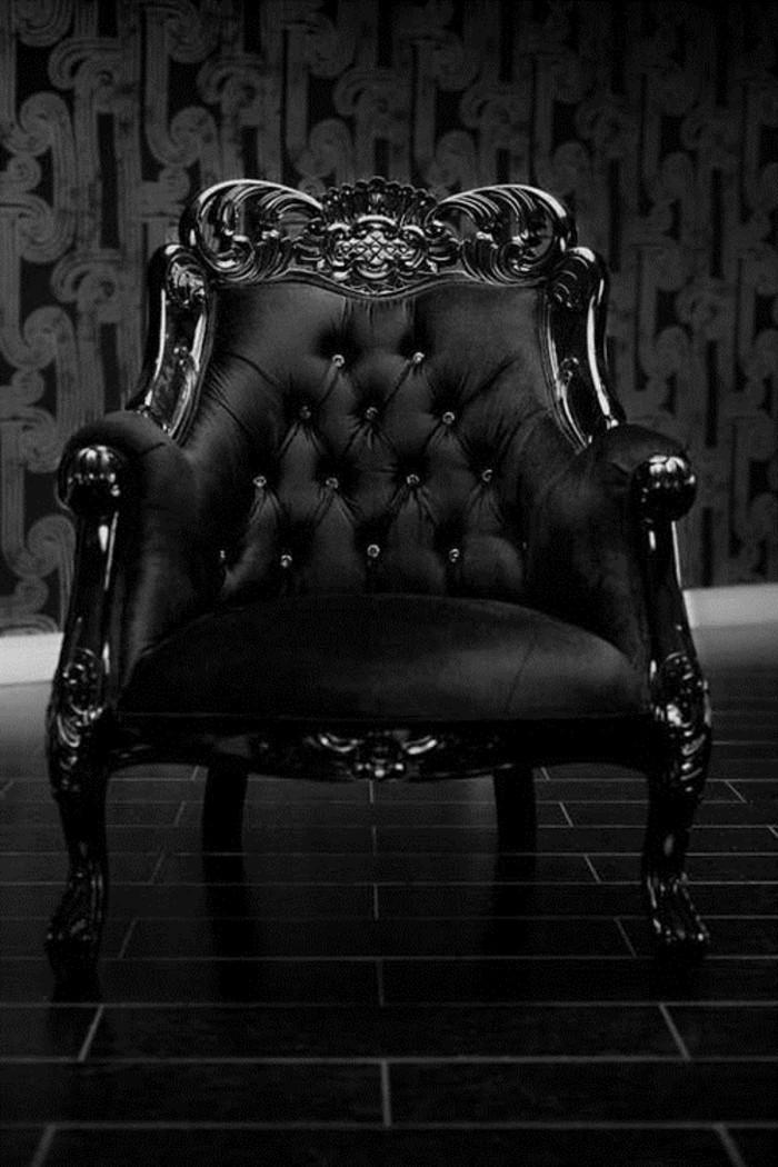 prachtvoller-schwarzer-Sessel-in-Barock-Stil