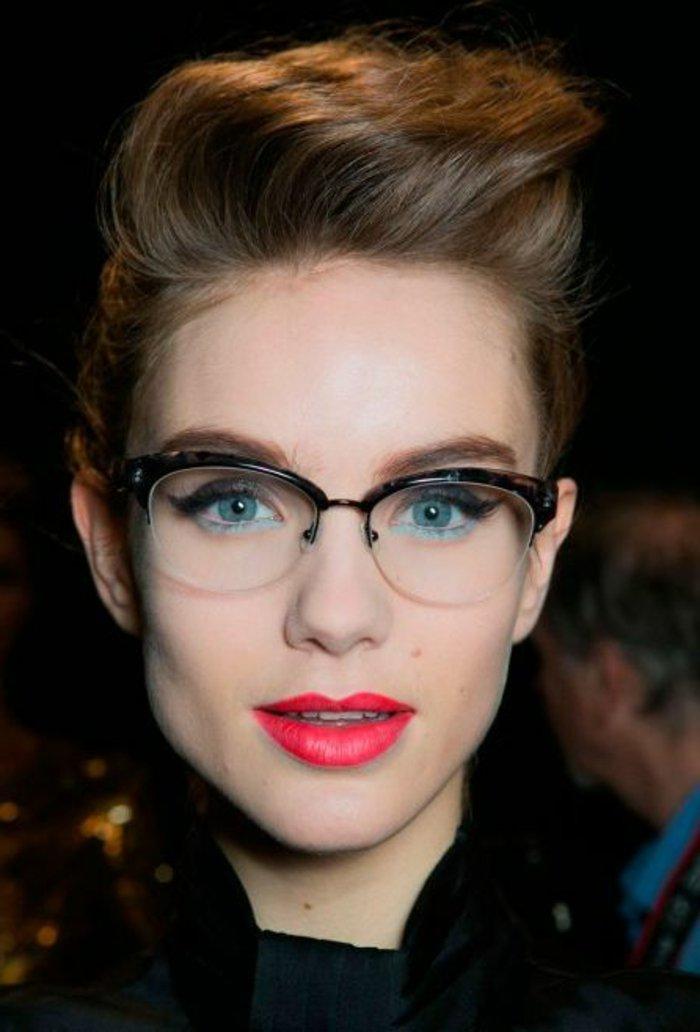 retro-Brillen-für-Frauen-schönes-Modell