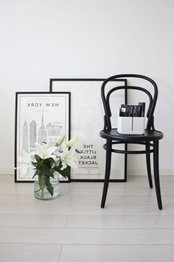 retro-Modell-Stuhl-in-Schwarz