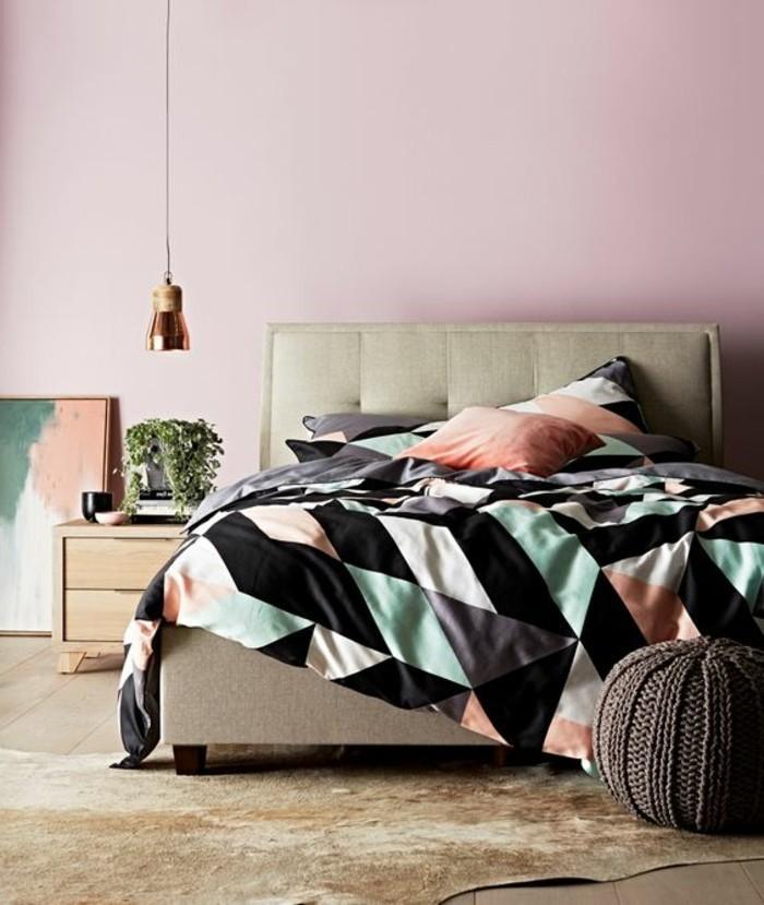 rosige-wände-modernes-schlafzimmer-polsterbett-mit-bettkasten