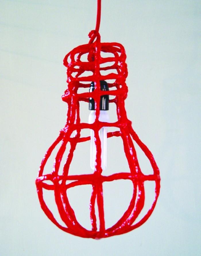 rote-Led-Lampe-mit-attraktivem-Design