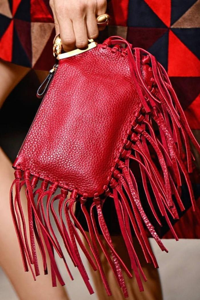 rote-Ledertasche-Damen-von-Valentino-Handtasche-mit-Fransen