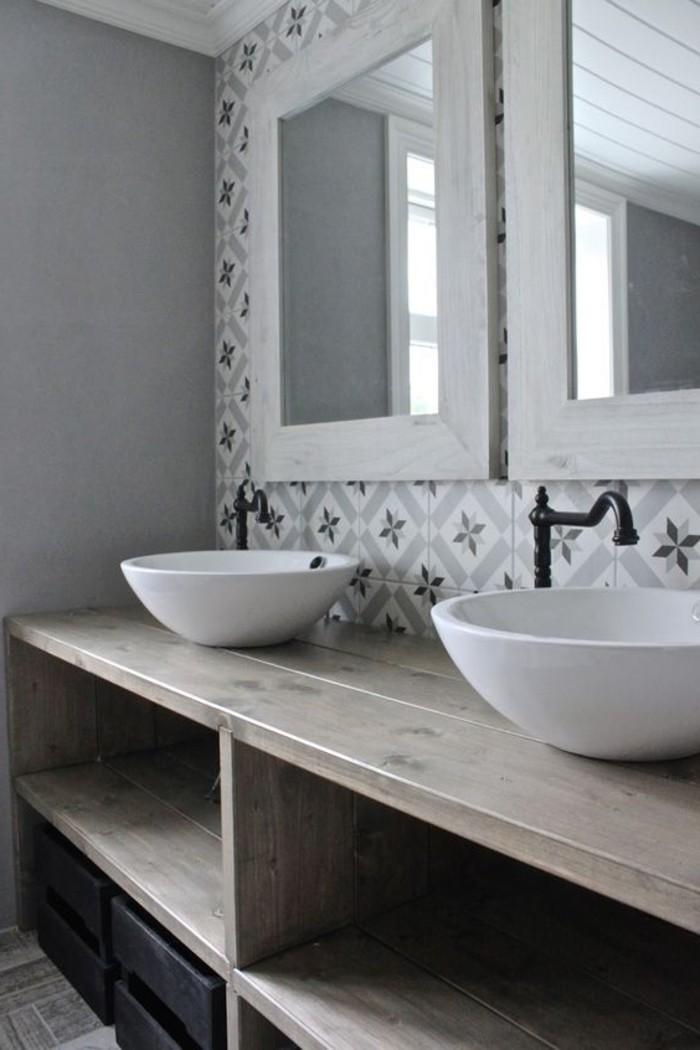 Badezimmer unterschrank rustikal ~ Rustikal gestaltetes Badezimmer ...