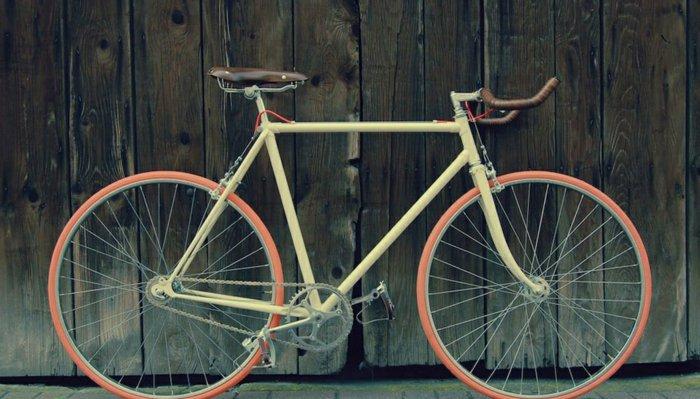 süßes-Modell-retro-Fahrrad-für-Mädchen