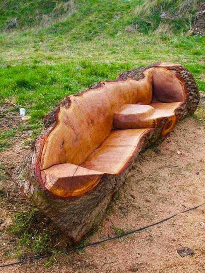 schön-ausgearbeitete-Holzbank-echtes-Meisterwerk