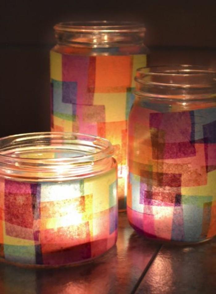 schöne-Teelichthalter-basteln-Einmachgläser-buntes-Papier