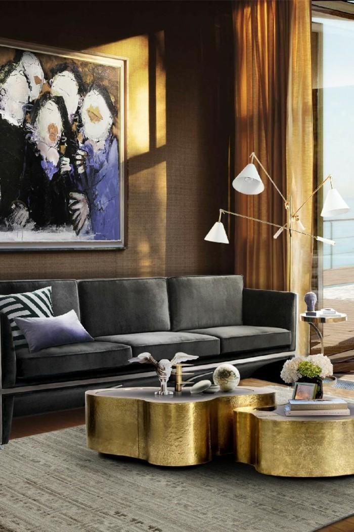 wohnzimmer beige wand:wohnzimmer schön dekorieren – bild an der wand – goldene akzente