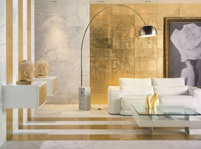 schöne-wohnideen-beige-und-goldene-farben-im-wohnzimmer