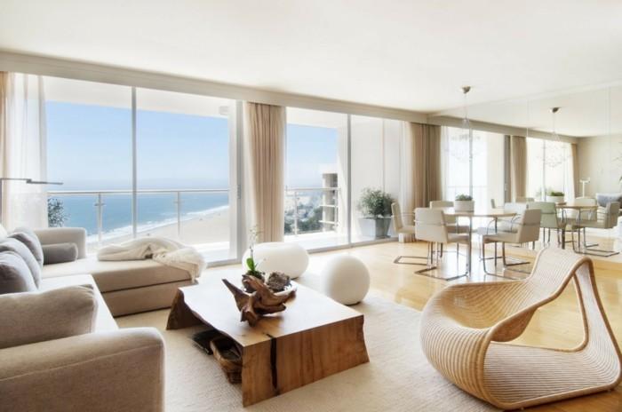 schöne wohnzimmer wände:schöne-wohnideen-helle-beige-und-weiße-nuancen-gläserne-wände