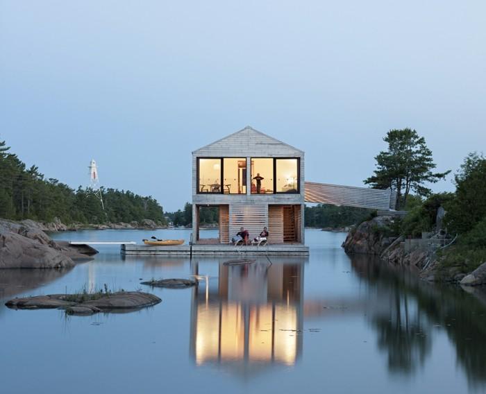 schönes-foto-vom-floating-house-auf-zwei-etagen