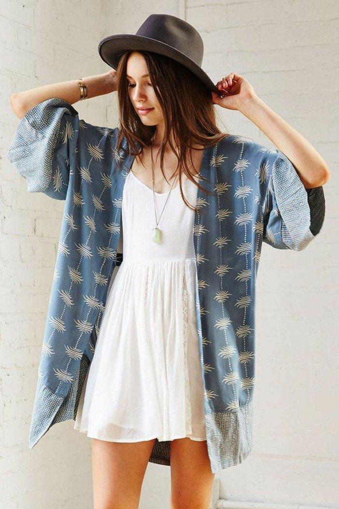 schlichtes-Modell-Kimono-Jacke-aus-Denim