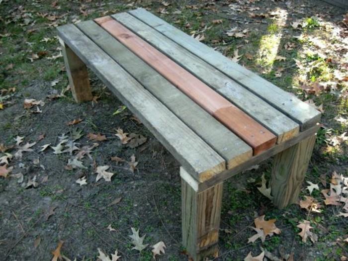 schlichtes-Modell-Parkbank-geeignet-für-den-Garten