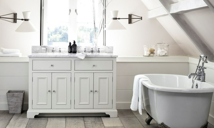 schrank-in-weißer-farbe-elegantes-design-badezimmer