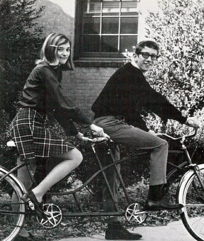 schwarz-weiße-Fotografie-Fahrrad-für-zwei