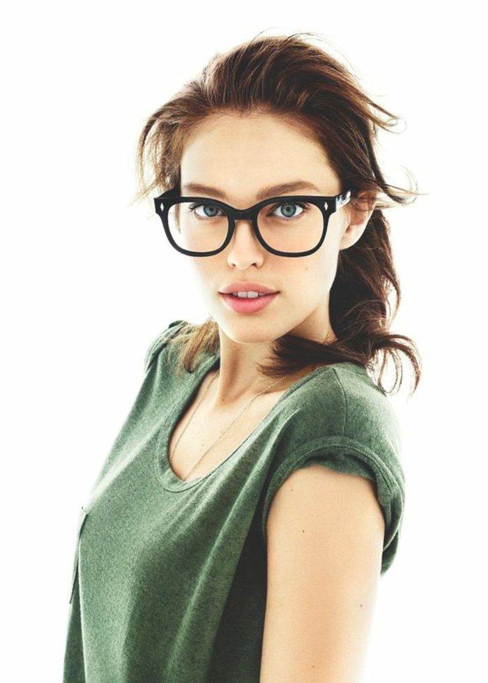 schwarze-Nerdbrillen-ohne-Sehstärke-für-Damen