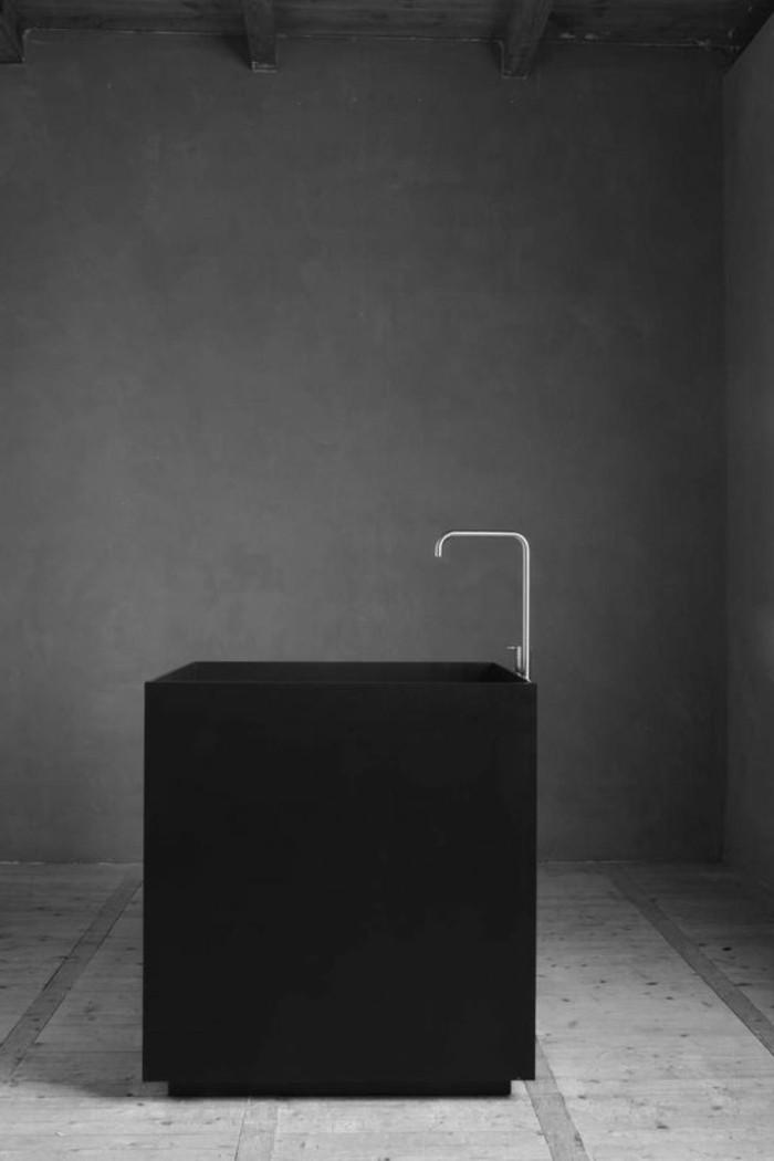 schwarzes-modell-waschtisch-selber-bauen-grauer-hintergrund