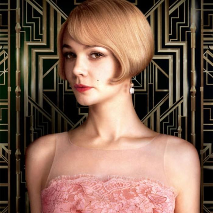 sehr-schöne-dame-20er-mode-rosiges-kleid