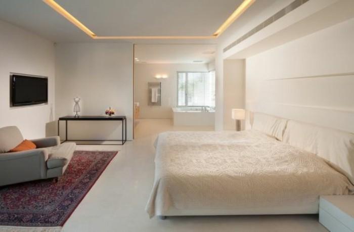 sehr-schönes-schlafzimmer-mit-led-beleuchtung
