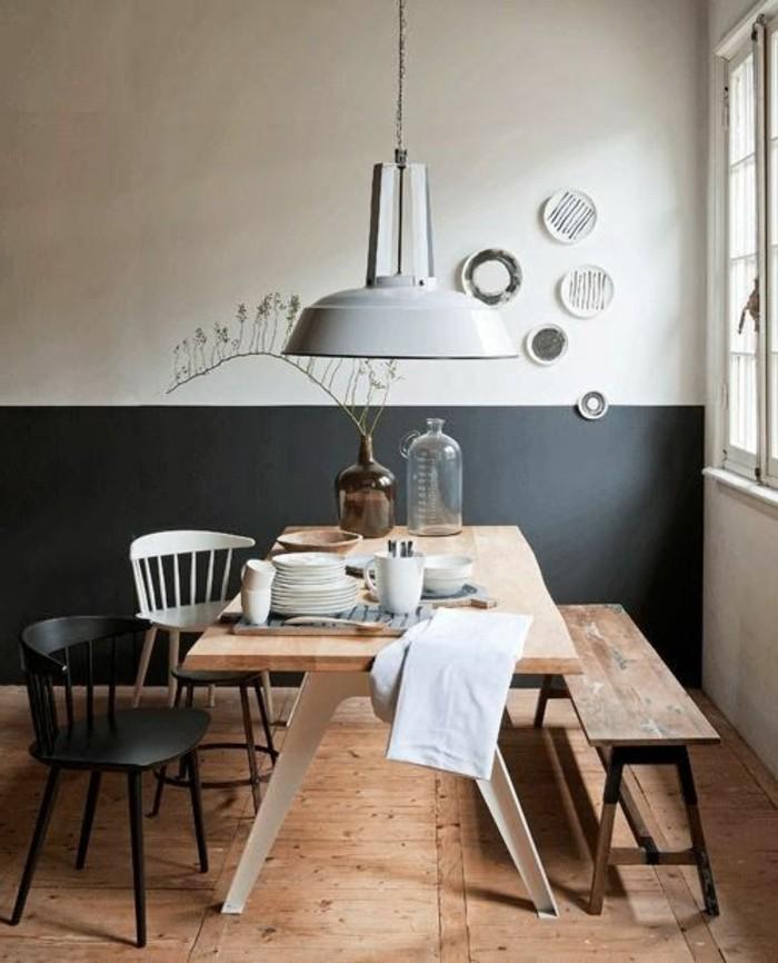 skandinavisches-Esszimmer-schwarzer-und-weißer-Stuhl-hölzerne-Sitzbank