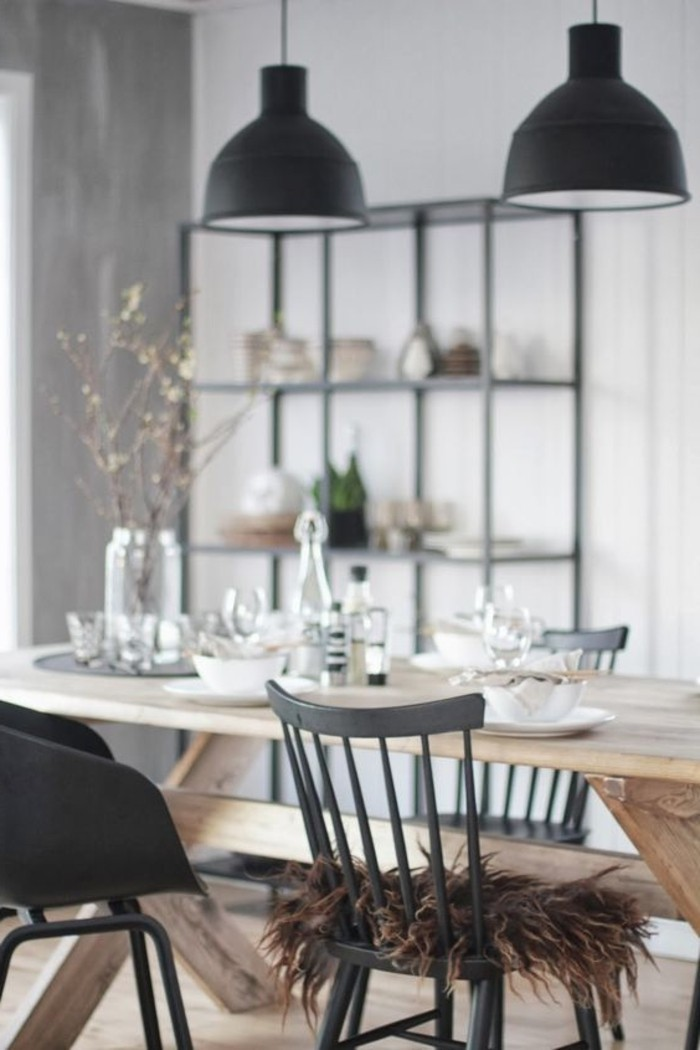 skandinavisches-Interieur-industrielle-Leuchten-vintage-Stuhl