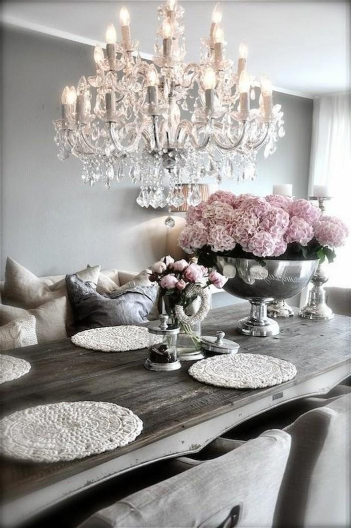 stilvolle-Esszimmer-Gestaltung-in-Grau