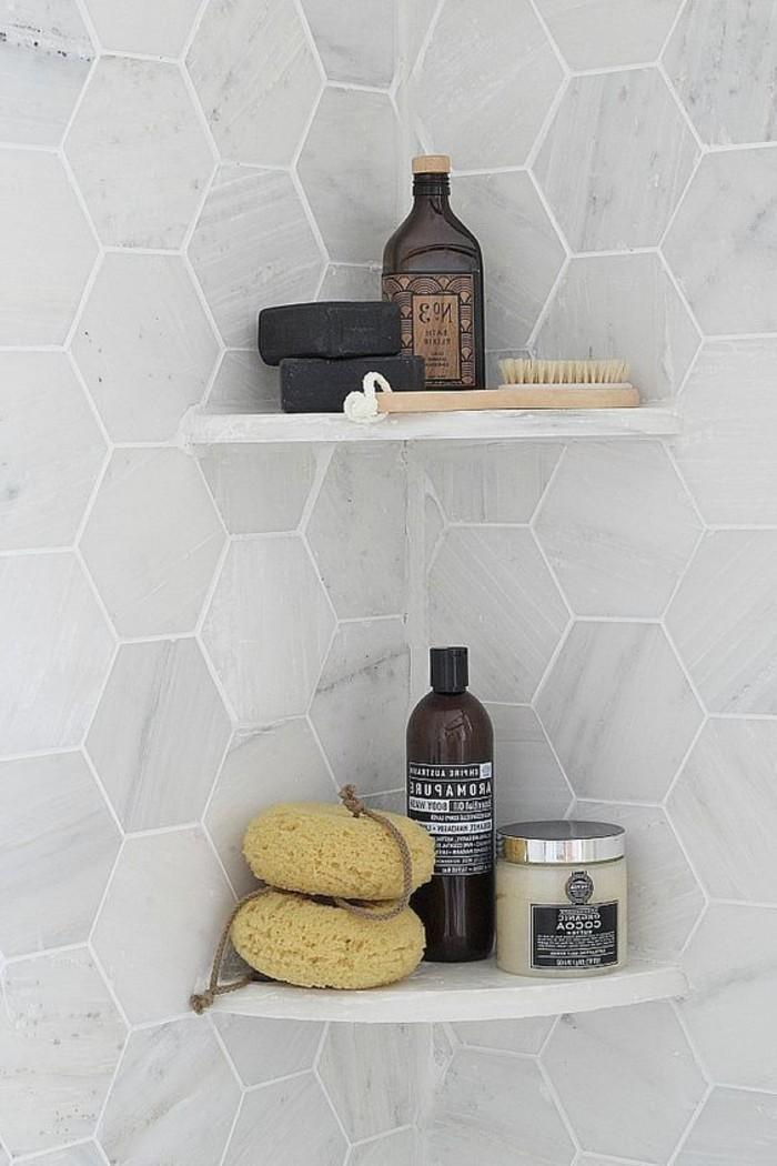 stilvolle-eckige-Marmor-Badfliesen-Badezimmer-Accessoires