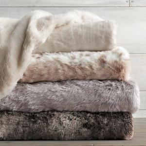 Flauschige Tagesdecken für Betten - kuschelig und gemütlich