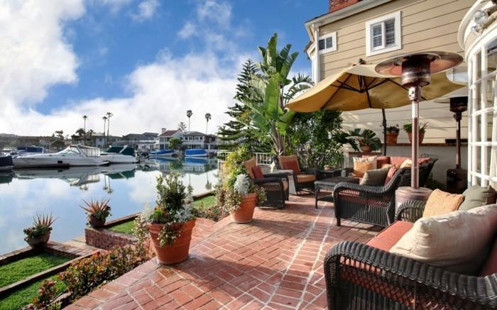 terrassen-ideen-herrliches-ambiente-schöne-möbelstücke