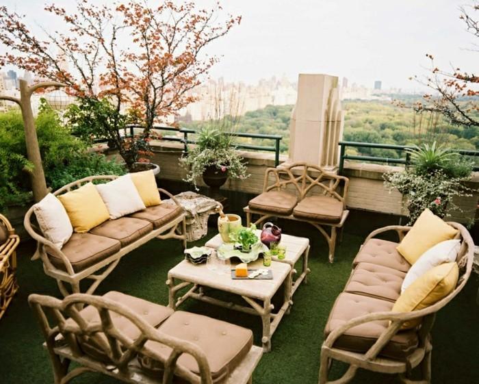 terrassengestaltung-ideen-originelle-möbelstücke-beige-farbe