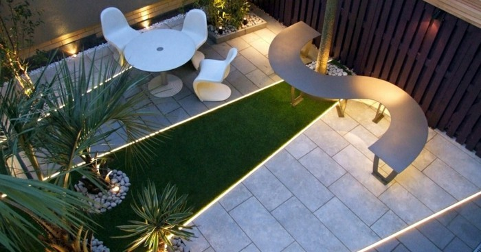 terrassengestaltung-ideen-romantische-beleuchtung
