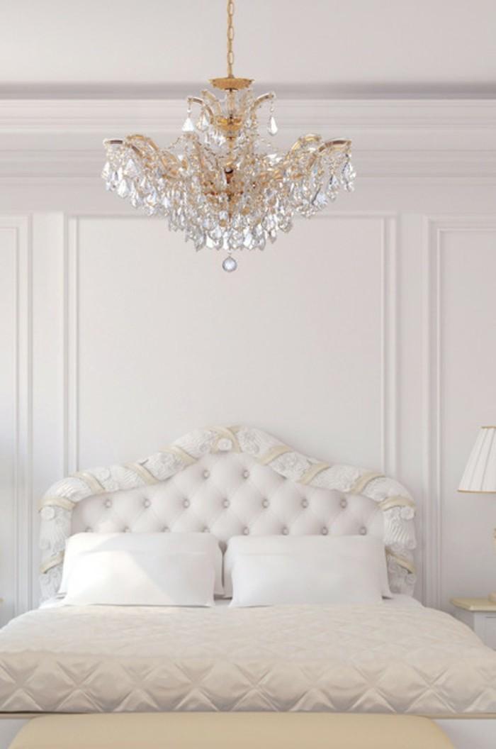 traditionelles-design-schlafzimmer-mit-einem-kronleuchter