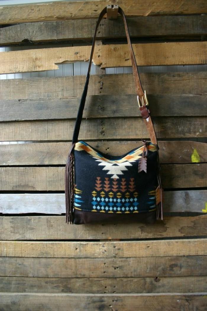 Tribal-Navajo-Tasche-aus-Wolle-mit-Leder-Fransen