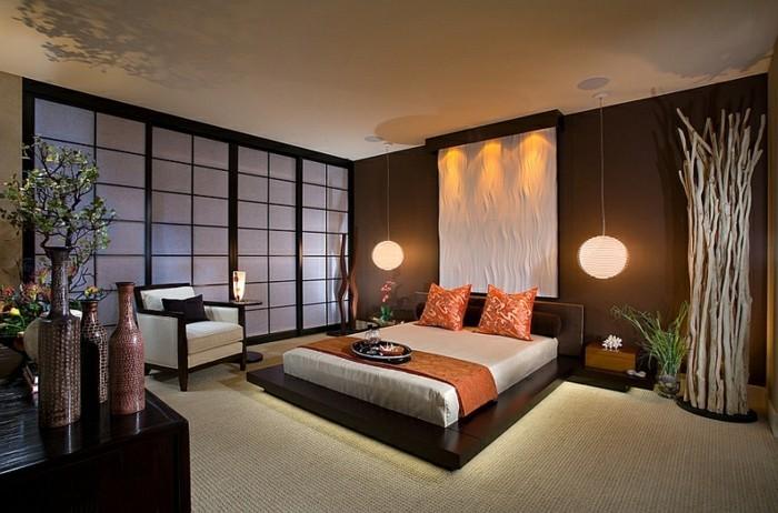 unikales-schönes-schlafzimmer-mit-modernen-hängeleuchte