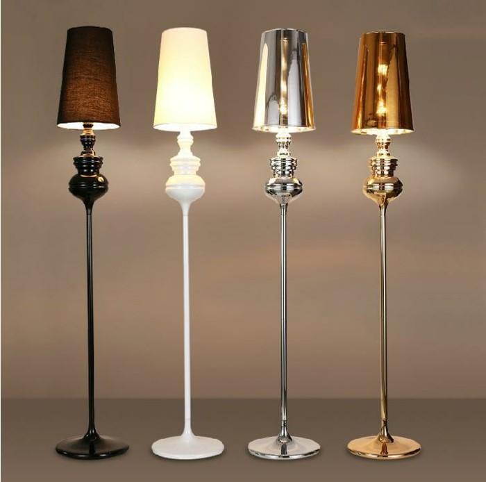 vier-schöne-standlampen-modernes-interieur