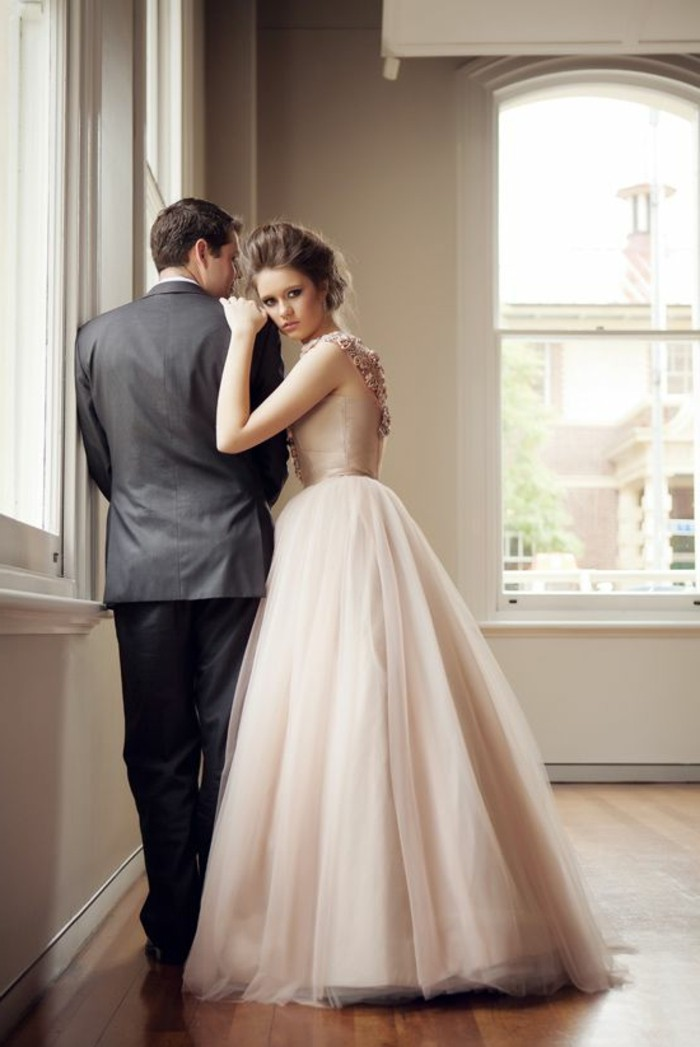 vintage-Brautkleid-in Rosa