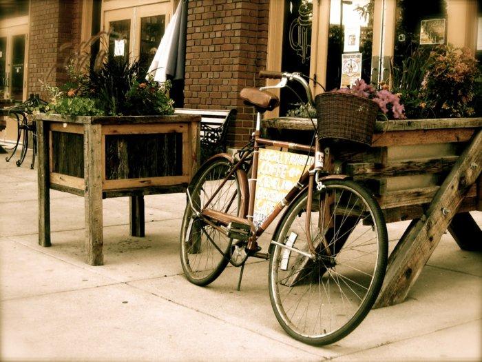 vintage-Fahrrad-Damenfahrrad-mit-Korb