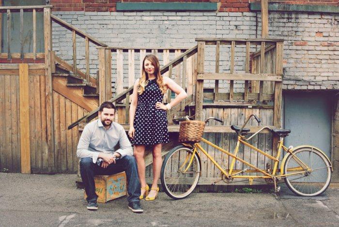 vintage-Fahrrad-mit-zwei-Sitzen