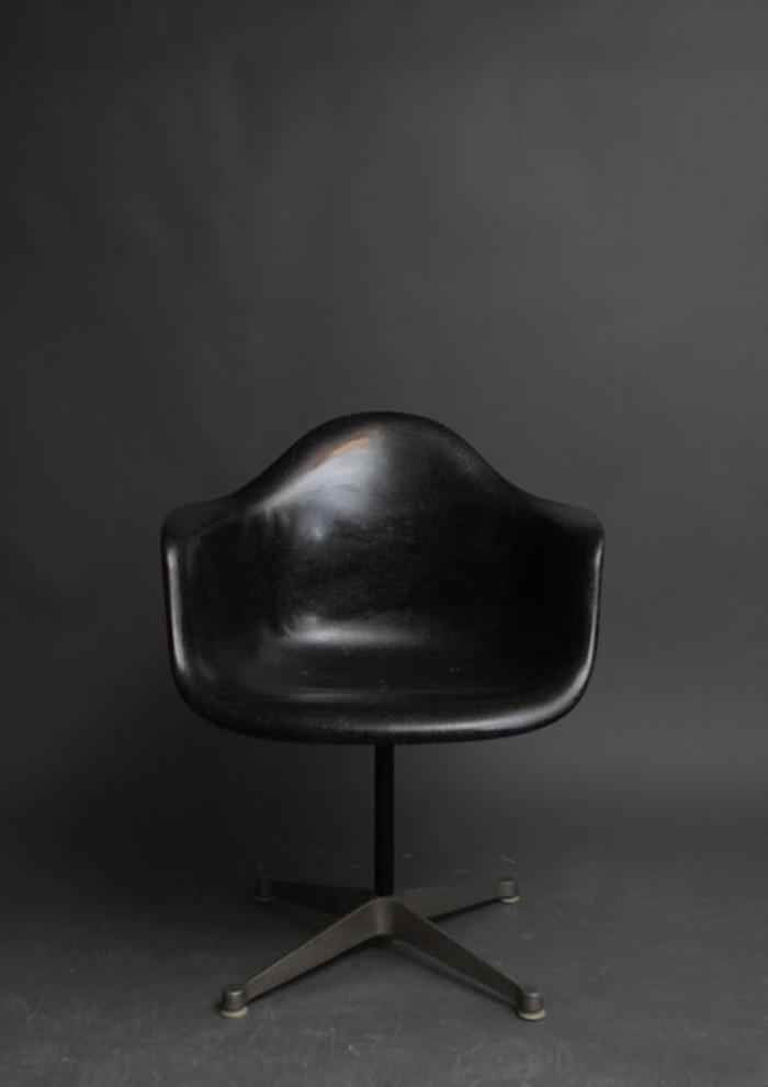 vintage-Leder-Stuhl-in-Schwarz