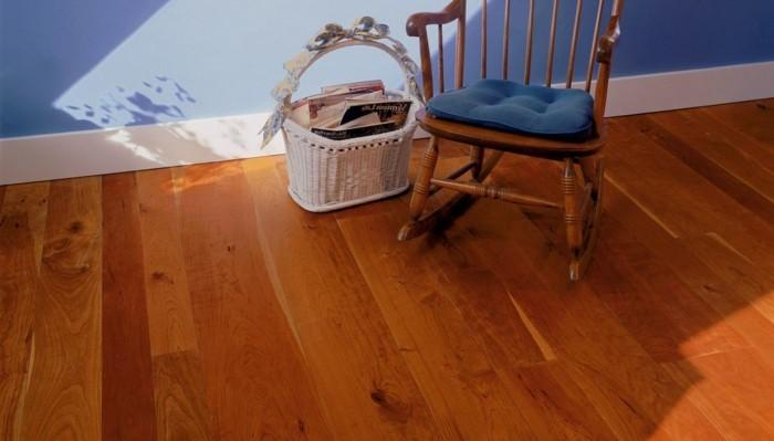 vinylboden-herrliches-modell-kleiner-stuhl