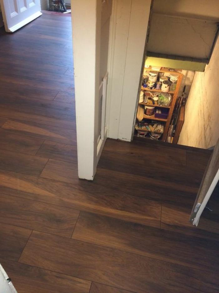vinylboden-im-haus-foto-von-oben-genommen
