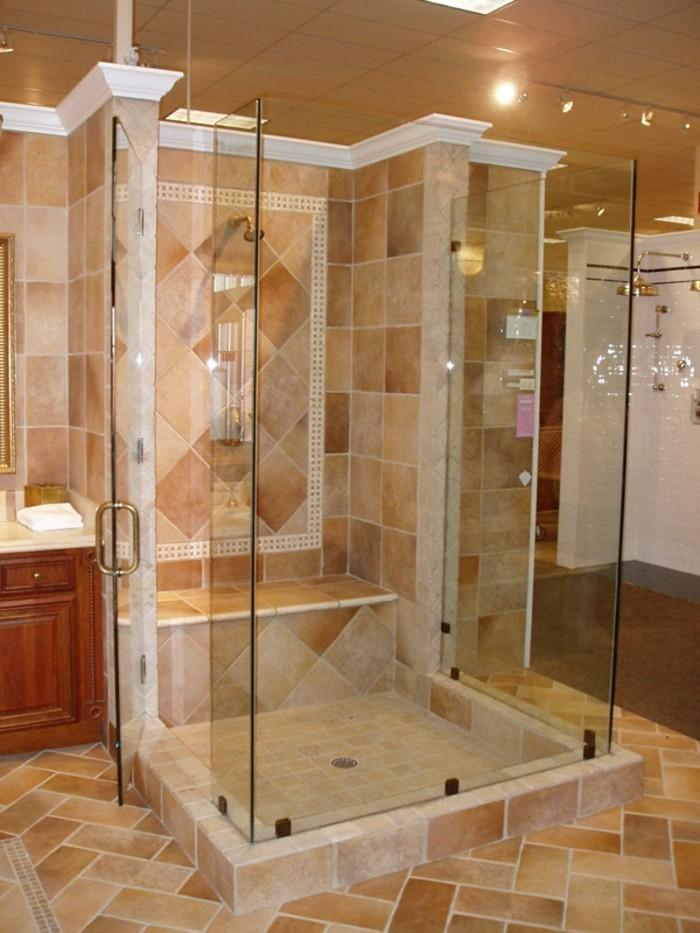 Dusche Am Fenster Rustikaler Holztisch Mit