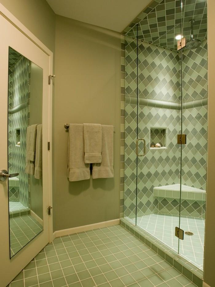 walk-in-dusche-aus-glas-mit-modernem-design